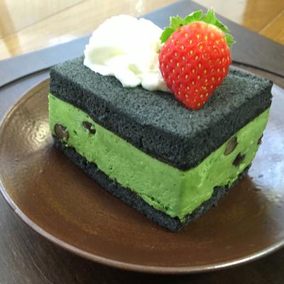 tea-leaf-charcoal-3